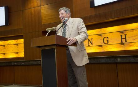 Dr. John Ivy presenting at the alderson lecture series